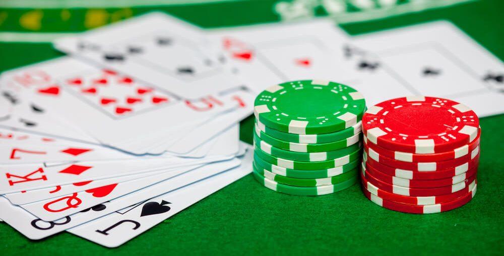 هل توجد قصص كثيرة للفوز بـ 15,000$ أو أكثر من اللعب في Casino 888؟